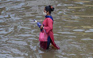 大雨襲印度 至少35死 首都面臨大暴雨