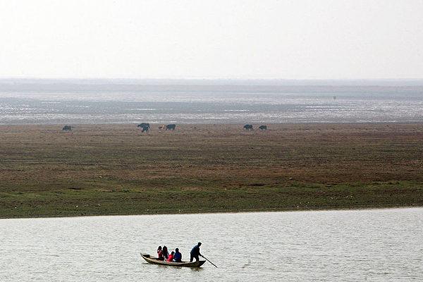 采砂二十年 如何毁了中国最大淡水湖