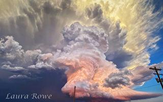 夕陽時分 攝影師用手機拍下夢幻般風暴雲