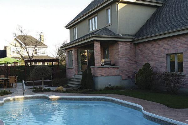 夏日謹慎泳池隱藏危險 預防水中觸電