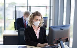 不確定疫後工作環境 加拿大人感到焦慮