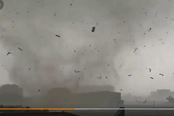 河北保定突遭龍捲風襲擊 屋頂被掀飛