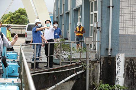 林右昌視察堵南抽水站。