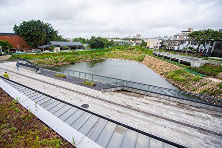 14A滞洪池滞洪量体3万立方公尺,淹水改善范围达10公顷面积,可有效改善中原大学周边、中坜后站及中坜工业区淹水问题。