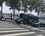 河南新乡被军管视频热传 郑州出动特警车