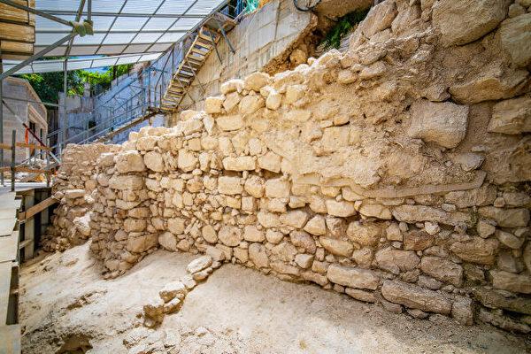 考古发现以色列犹太国铁器时代古城墙遗迹