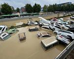 郑州严重洪水 受害者向官方要说法