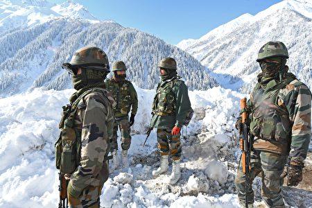 圖為印度軍人。
