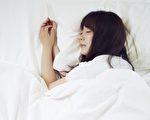 睡前1個最佳動作 放鬆全身筋膜、助入眠