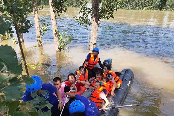 【一线采访】河南洪灾 民间组织救援细节曝光