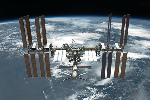 太空人在外太空如何洗衣服?