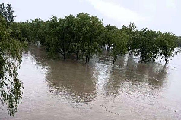 【一线采访】台风再登浙江 27条河发生超警洪水