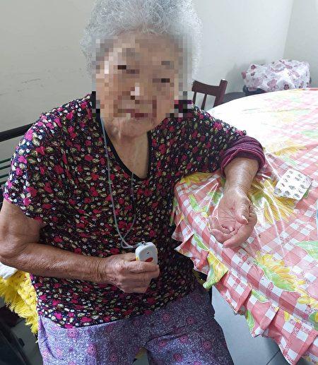 大千紧急救护系统可帮助独居长辈有危急时即刻获得救援。