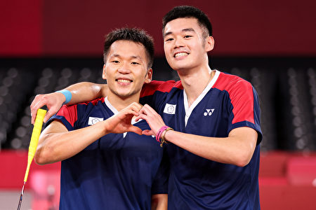 李洋(左)、王齊麟(右)。