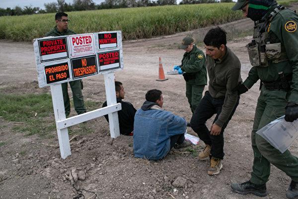 德州州長要求國民警衛隊協助逮捕非法移民