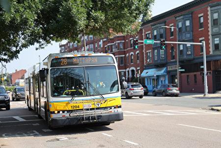 波士頓28號巴士9到11月免費乘