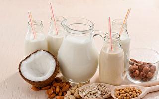 市面的「奶」字飲品很多,但植物奶不等於奶類。(Shutterstock)
