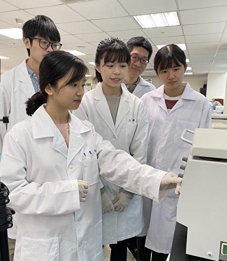 长庚大学医技系培育临床人才,也鼓励学生做学术研究。