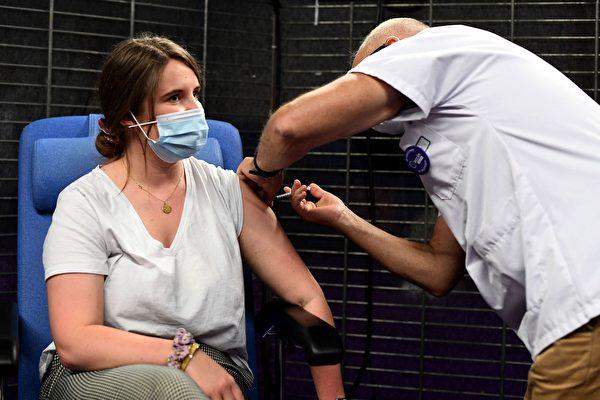 接种率落后于其它州 西澳向30岁以上人群开放接种疫苗