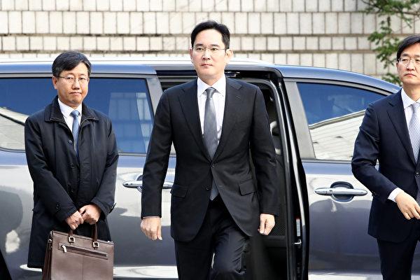 三星掌門人李在鎔獲假釋 能否復職引關注