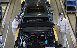 """""""芯片荒""""冲击下 中国汽车销量持续下滑"""