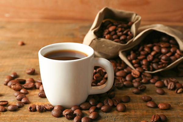 咖啡因會和一些藥物出現交互作用,服用哪些藥物不宜喝咖啡?(Shutterstock)