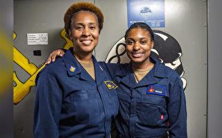 難得機會 母女倆在美國海軍同一艘戰艦服役