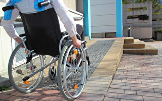 多倫多患病癱瘓教師 促學校改善殘疾人設施