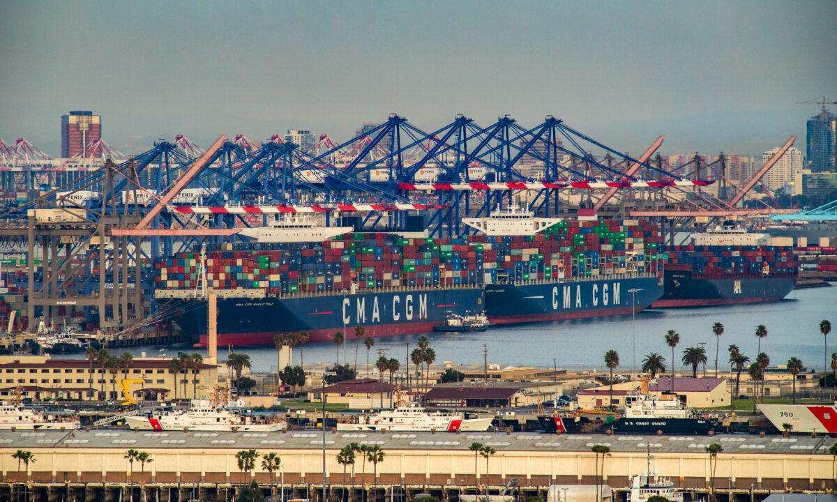 南加州港口業務量創紀錄 促當地經濟發展