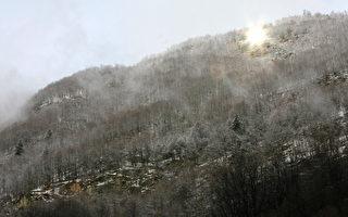 """群山环绕的村庄 建造自己的""""太阳""""驱逐黑暗"""