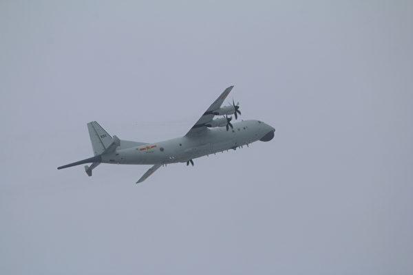 中共2軍機擾台 首次出動直9反潛直升機
