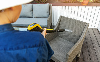 戶外家具多久應清潔?不同材質家具保養指南