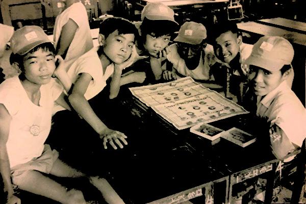 達人收藏的台灣老桌遊:跳棋、陸軍棋和三軍棋
