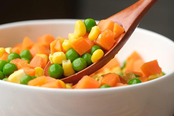 三色蔬菜(三色豆)中的豌豆仁属于淀粉,而非蔬菜。(Shutterstock)