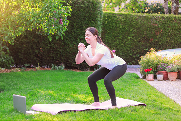 肌肉少易得糖尿病,无论男女老少都应加强肌力训练。(shutterstock)