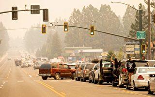 卡爾多山火燒進南太浩湖 內華達州部分地區強制撤離