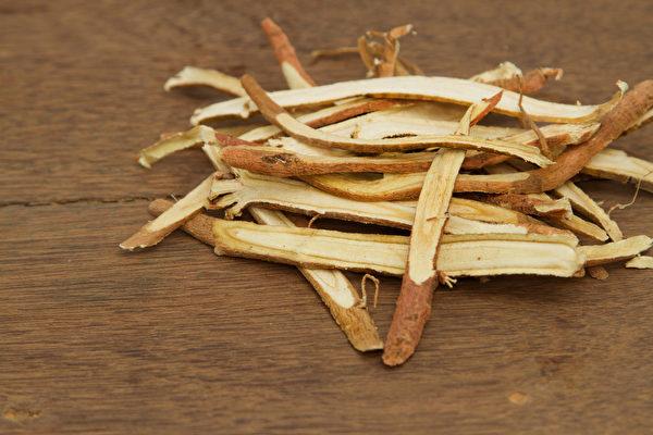 甘草加上黑豆或绿豆,才具有解药毒的奇效。(Shutterstock)