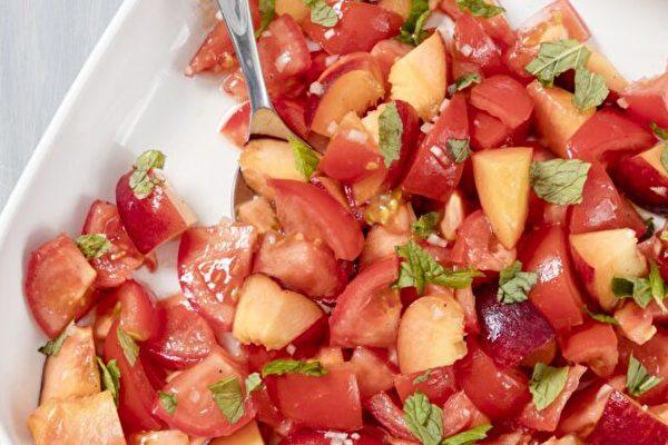 西紅柿桃子沙拉 簡單美食 充滿夏天味道
