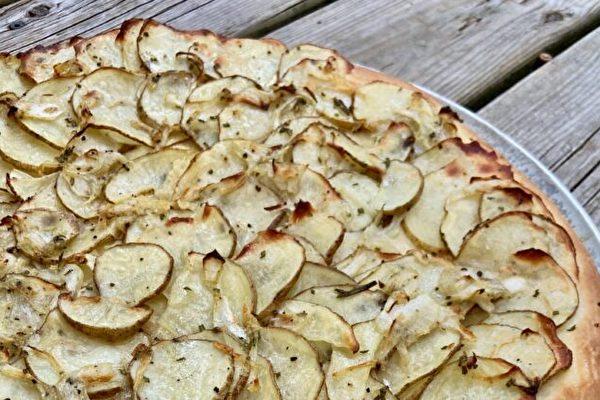 洋蔥土豆比薩餅的簡易做法