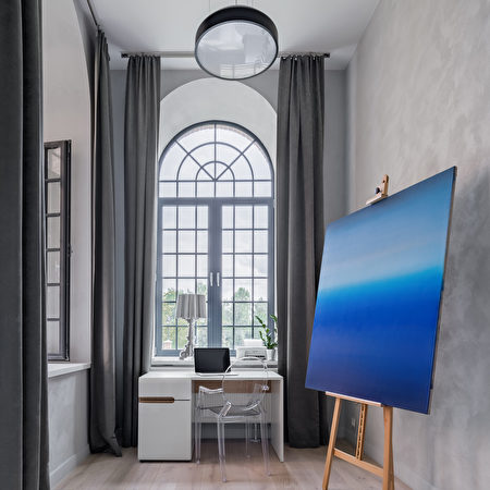 Gray,Room,With,Modern,Painting,,Desk,,Transparent,Chair,And,Half,拱門