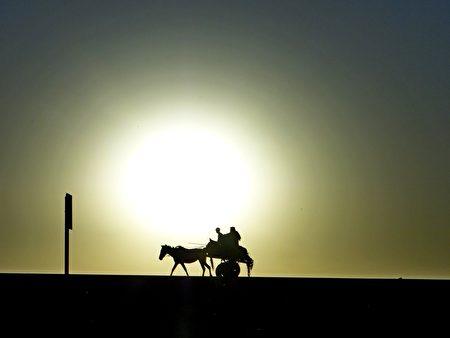 夕陽西下。(衣索匹亞)