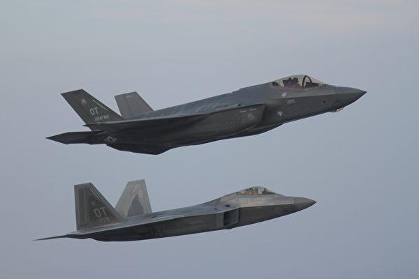 两款卓越隐形战机 F-22和F-35各扮演何种角色