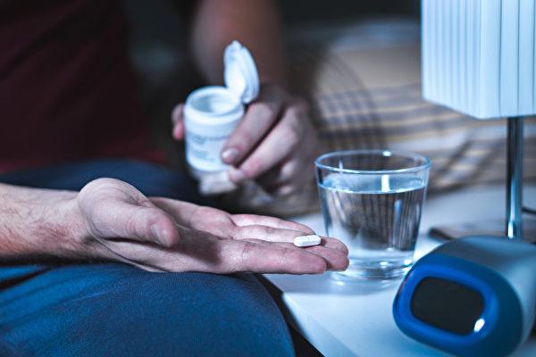 安眠藥有哪些副作用?睡不著一定要吃安眠藥嗎?(Shutterstock)