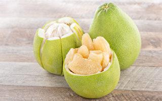 柚子怎么吃不发胖?一方法控制热量摄取。(Shutterstock)