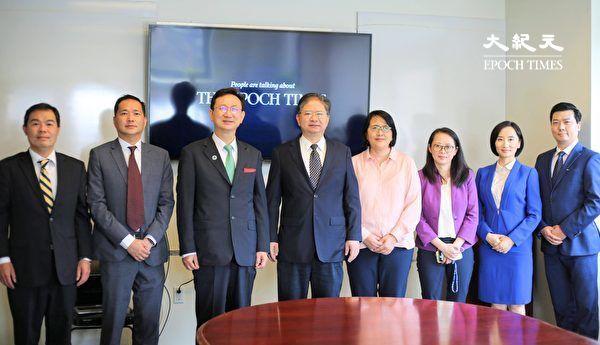 台侨务委员长童振源拜访大纪元媒体集团总部