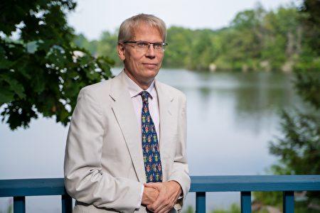 哈佛大学教授库尔多夫(Martin Kulldorff)。