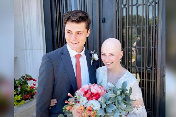患癌女被告知只能活几个月 与高中恋人结婚