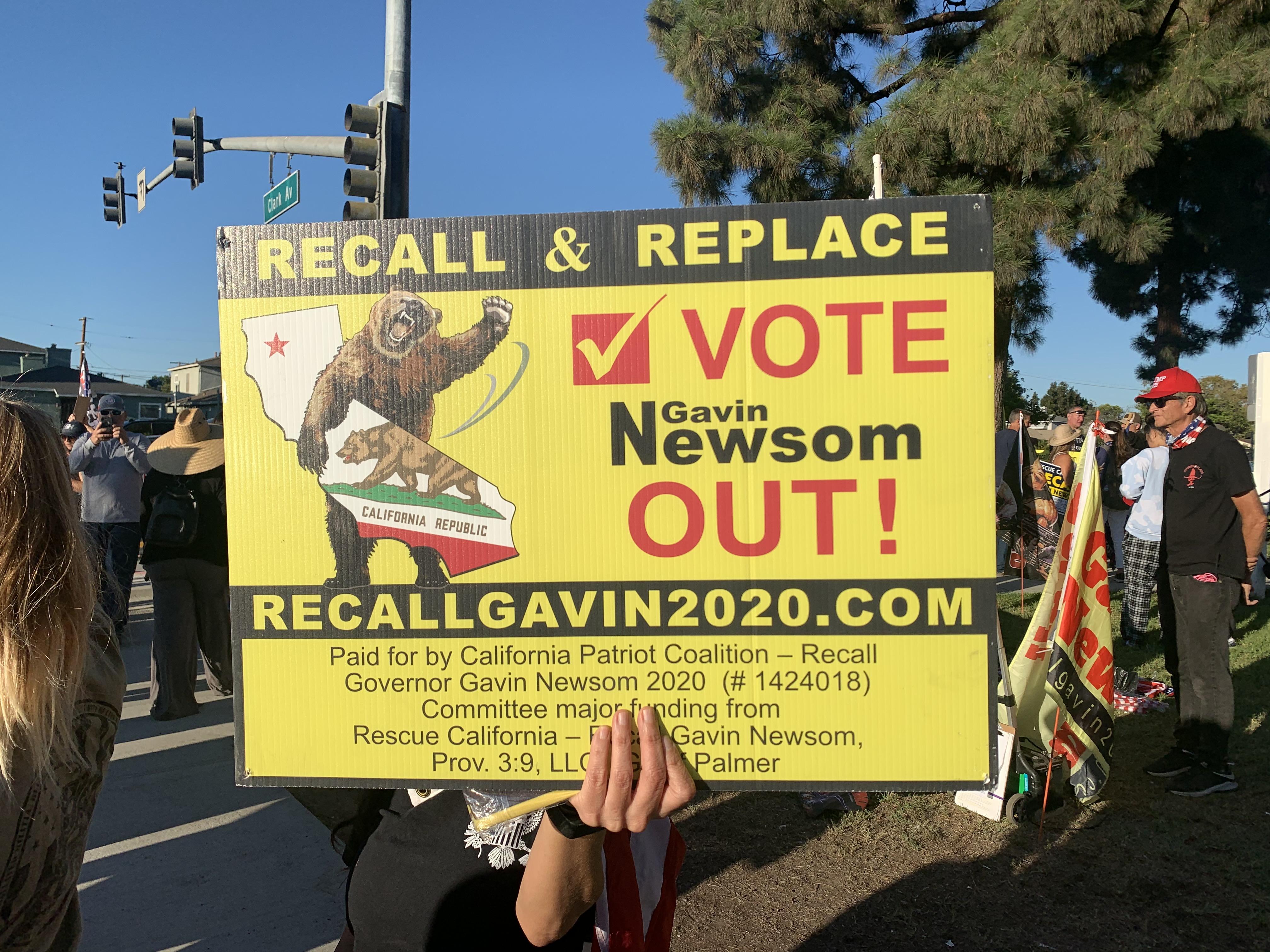 拜登抵加州 上千人沿途呼籲罷免紐森