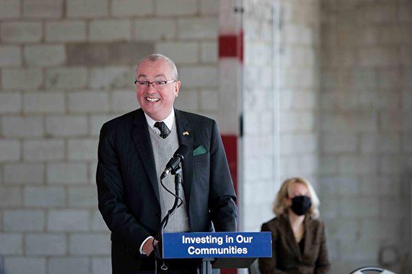 新州州长墨菲宣布 实施全面学前班计划