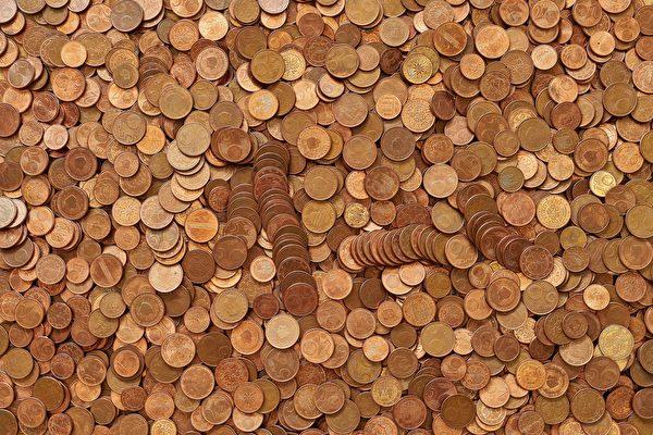 爱尔兰男子离职 最后薪资竟是30公斤重硬币